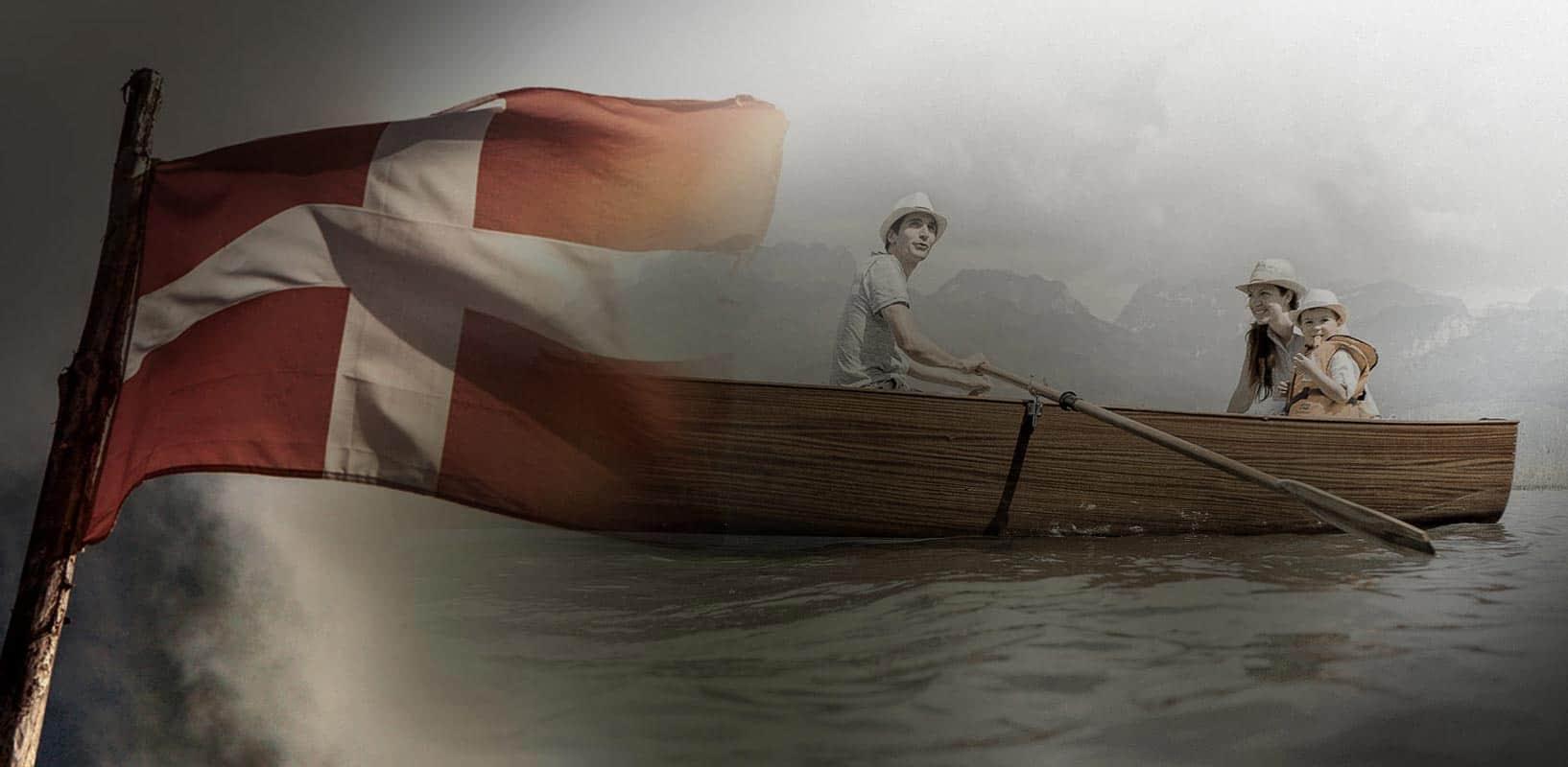 spritz-barque-en-bois-ancienne-traditionnelle